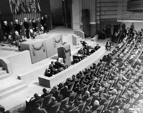 yalta conference essay The yalta conference was called together by president franklin d roosevelt the three allied leaders, being, winston churchill, joseph stalin, and president franklin himself.